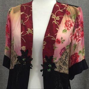 ✨Spencer Alexis Embroidered Kimono Top✨